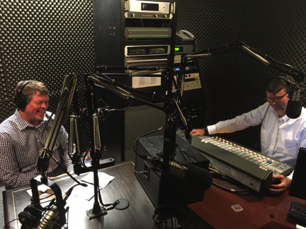 Jeffrey Jones, director of the Peabody Awards at 乔治亚大学, recorded a broadcast for WAMU 88.5 - American University Radio in Washington at the wuga studios before this year's Peabody Awards ceremony.